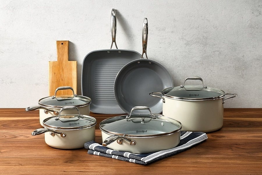 Ultimate List Of Cookware Needed For One Household