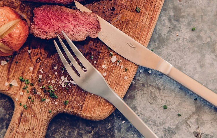 Cutting Steak With Non-Serrated Knife